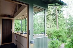14 m2 Finnish cabin by Verstas Architects