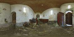 Fonts baptismaux de l'église Saint-Eloi de Vierville - France © Pascal Moulin