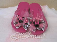 Flip FlopsMinnie Mouse by Sassykatboutique on Etsy, $16.00