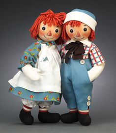 R John Wright Raggedy Ann and Andy. Still have the Raggedy Ann my mom made me several years ago. Marie Osmond, Antique Dolls, Vintage Dolls, Vintage Items, Doll Toys, Baby Dolls, John Wright, Ashton Drake, Ann Doll
