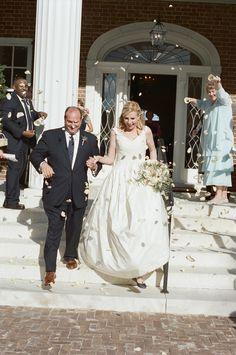 Bride and groom send off #plantationwedding #georgiawedding #fordplantationwedding #adriennepagephotography #southernwedding #blueandwhitetoile #taraguerard #taraguerarddecor #taraguerardsoiree