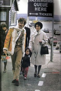 indypendent-thinking: John Lennon with son, Julian and his Aunt Mimi who helped raise John - 1967 (via http://www.pinterest.com/ravenrene/)
