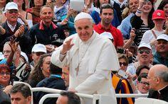 ¿Sería mejor bajar el nivel de nuestro cristianismo para complacer al mundo?, pregunta el Papa Francisco
