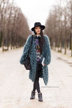 Dress + belted scarf + fuzzy cardigan 9 Easy Layering Formulas to Copy this Winter via Street Style 2014, Street Chic, I Love Fashion, Passion For Fashion, Net Fashion, Street Fashion, Paris Fashion, Estilo Cool, Angora