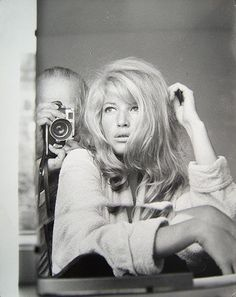 Monica Vitti has her picture taken