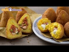 Sicilian arancini is one of the most loved street food in Italy: warm rice balls stuffed with ragout or ham and cheese, coated with bread crumbs and then dee. Tarte Caramel, Sicilian Recipes, Rice Balls, Food Website, Slow Food, Rice Dishes, Quick Easy Meals, My Favorite Food, Food Videos
