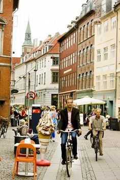 Copenhagen City Guide, Top 10 Things to do in Cophenhagen, Biking Copenhagen