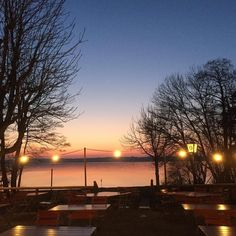 Sadly it's still too cold to have dinner on the outside with this wonderful view. #sunset #lake #spring #münsing #starnbergersee #starnberg #bavaria #oberbayern #oberland #nature #eveningsky #liveauthentic #livefolk #slowlife #nofilter #nofilterneeded