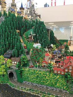 Lego House, a giant playhouse dubbed the 'Home of the Brick,' is now open - . Lego House, a giant Lego City, Lego Display, Lego Modular, Lego Design, Chateau Lego, Architecture Minecraft, Open Architecture, Casa Lego, Construction Lego