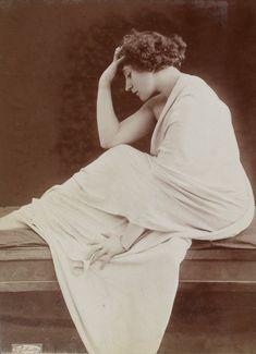 """Colette, """"photographie d'art"""" (atelier Reutlinger, 1909)"""