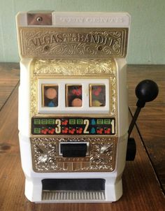 Vintage Vegas One Arm Bandit in Original Box 72 1972 by Piklandia