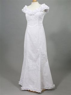 1000 images about holoku on pinterest hula sleeve for Hawaiian wedding dresses with sleeves