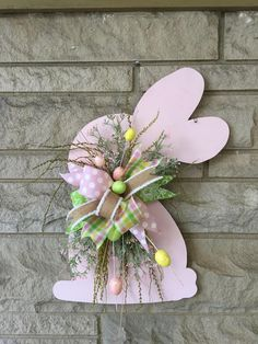 Easter door hanger, bunny door hanger, Easter wreath - Decoration For Home Easter Bunny Decorations, Easter Wreaths, Easter Centerpiece, Outdoor Easter Decorations, Outdoor Decorations, Bunny Crafts, Easter Crafts, Spring Crafts, Holiday Crafts