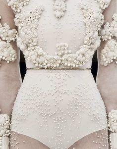 I want #pretty: #Lunes de cosas #bonitas! #Givenchy
