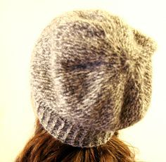 Think Crafts Blog – Craft Ideas and Projects – CreateForLess » Blog Archive » Easy Slouchy Unisex Beanie