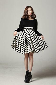 High waist polka dotted skirt
