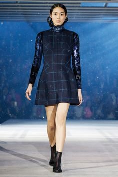 Close Previous Image Next Image  33/64  Thumbnails Pre-Fall 2015 Christian Dior Collection