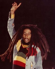"Stephen Marley on Instagram: ""#MORNINGJAH ""If you're white and you're wrong, then you're wrong; if you're black and you're wrong, you're wrong. People are people. Black,…"" Damian Marley, Stephen Marley, Bob Marley Legend, Reggae Bob Marley, Marley Fest, Madison Square Garden, Ziggy Marley, Amor Universal, Bob Marley Pictures"