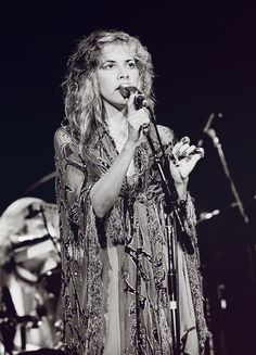 crystalline-:Stevie Nicks, Rumours Tour, 1978HQ copy: {x}