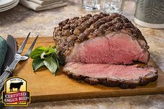 Reverse Sear Caramelized Crusted Strip Loin: Taste the difference. There's Angus. Then there's the Certified Angus Beef ® brand. Strip Roast Recipe, Easy Roast Beef Recipe, Roast Beef Recipes, Beef Meals, New York Strip Roast, Holiday Roast Recipe, Cooking Recipes, Healthy Recipes, Healthy Meals