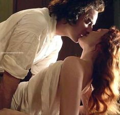 This is an image from the wildly romantic stocking scene from POLDARK on Masterpiece Theater. Season 4 episode I've also pinned the video to my board. Romantic Kiss Gif, Romantic Love, Romantic Couples, Romantic Scenes, Cute Couples Kissing, Cute Couples Goals, Beaux Couples, Couple Romance, Vintage Photos