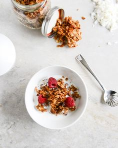 Could You Eat Pizza With Sort Two Diabetic Issues? Coconut Butter Granola How Sweet It Is Healthy Habits, Healthy Snacks, Healthy Eating, Healthy Recipes, Clean Eating, Healthy Cereal, Yummy Snacks, Healthy Choices, Granola