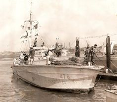 MGB 476 tying up alongside HMS Hornet in 1943. HMS Hornet was a Coastal Forces Base at Gosport active from 1941 to 1956