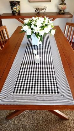 Dining Table Cloth, Table Runner And Placemats, Table Runner Pattern, Table Linens, Table Runners, Linens And Lace, Table Toppers, Crochet Home, Table Settings