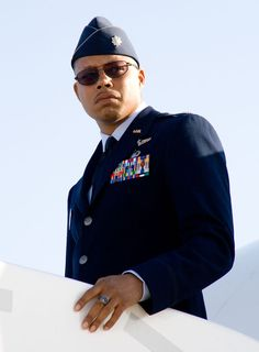 Still of Terrence Howard as James Rhodes in Iron Man. Nothing against Don Cheadle, but Terrence Howard will always be Rhodey to me. Iron Man 2008, Iron Man Art, Iron Men, Iron Man Movie, Black Actors, Man Movies, Man Images, Tony Stark, Actor