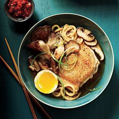 The Idea: Move over chicken noodle soup--ramen is the new bowl of comfort. Here, we offer a Japanese-style chicken soup twist, flavored with miso, soy Ramen Recipes, Noodle Recipes, Asian Recipes, Healthy Recipes, Japanese Recipes, Recipies, Chicken Recipes, Oriental Recipes, Ww Recipes