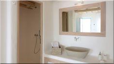 fürdőszoba mediterrán stílusban (Luxuslakás 7) Sweet Home, Mirror, Bathroom, Sign, Furniture, Home Decor, Washroom, Decoration Home, House Beautiful