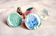 Beautiful handmade rings with vontage floral prints
