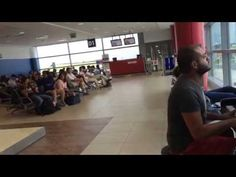 Bored Waiting For His Plane This Man Sits Down And Blows Everyone Away With His Talent - NewsLinQ