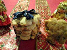*PISTÁCIOVO - ČOKOLÁDOVÉ COOKIES*  6.decembra poďalšomslávnostnom obede s rodinou už nejak človek nemá chuť na výrazne sladké pečivo ku kávičke. A tu prichádzajú na rad pistáciové cookies.