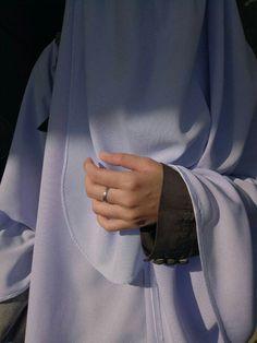 รักตัวเองให้มาก~ Hijab Niqab, Muslim Hijab, Mode Hijab, Niqab Fashion, Muslim Fashion, Hijabi Girl, Girl Hijab, Muslim Girls, Muslim Women