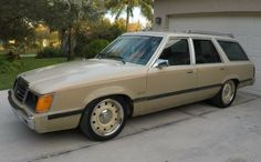 As clean examples of Ford's Foxbody Mustang become scarce, enthusiasts are modifying other vehicles that also use the company's Fox platform. While models such as the Thunderbird and the Fairmount are fairly popular, this 1986 Ford LTD II Wagon. Station Wagon Cars, Mustang Lx, Dodge Magnum, Best Barns, Ford Ltd, Car Ford, Barn Finds, Hot Cars, Custom Cars