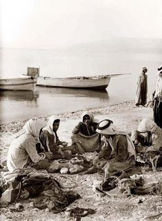 Sea of Galilee Fisherman, 1930s | Community Post: 31 Unbelievable Photographs Israel Doesn't Want You To See!
