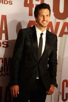 Luke Bryan. In a suit. Wow. im starting to think my obsession with luke bryan is unhealthy...and i dont care :)