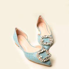Summer Stylish Rhinestones Embellished Ladies Pointy Toe Flats US$ 36.99