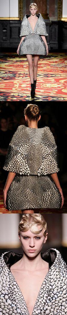 Printed Dress @ Iris Van Herpen Paris Fashion Show I Love Fashion, High Fashion, Fashion Show, 3d Printed Dress, Neri Oxman, Capitol Couture, Smart Textiles, Inexpensive Dresses, Textile Texture
