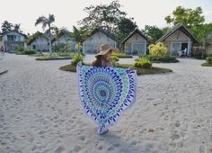Missing the sun, sand & the sea ☀️ Brought with me the perfect round beach towel @solstyleph