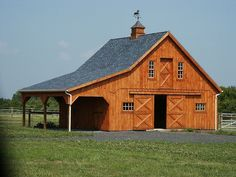 Pole barn house plans kits with modern blue grey house exterior and using farmhouse floor plans with detached garage and luxury house interior photos Pole Barn House Plans, Pole Barn Homes, Barn Plans, Barn Garage, Barn House Design, Small Barns, Barn Apartment, Barns Sheds, Country Barns