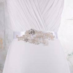 2015 In Stock Low Price Bridal Belts All Kinds Of Colors Wedding Accessories Beaded Rhinestone Beautiful Sash S31 Online with $28.27/Piece on Yupan's Store | DHgate.com