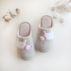knitted wool-containing amorphous polar bear couple indoor slippers
