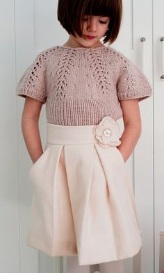 Tutorial for pleated skirt with flower applique, would be darling on a little girl!