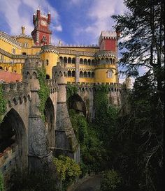Palácio da Pena, Sintra, Portugal. A beautiful castle not to be missed.