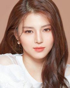 Fashion Dress With Hijab .Fashion Dress With Hijab Korean Makeup Look, Korean Beauty, Asian Beauty, Asian Makeup, Natural Beauty, Eye Makeup, Beautiful Chinese Women, Beautiful Asian Girls, Most Beautiful Faces