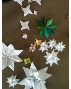 Ornament or gift wrapping idea. Froebel star - very fun to make!  1:25 ratio