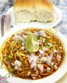 Via @munchymumbai - Epic Misal Pav to beat the Monday blues! . Picture by @mumbaifoodlovers . Location - Aaswad Dadar . Follow @bottomsupmumbai and @Munchydessert DM us to get featured or use #MunchyMumbai #food #foodie #epic #foodgasm #foodlove #foodporn #foodblog #foodblogger #foodlover #foodieofmumbai #mumbai #Mumbaifood #Foodiye #indianfoodiye #MumbaiFoodiye #IncredibleIndia . Follow @Mumbai_Foodiye Follow @foodiye_international Make Foodiyé Friends in Comments