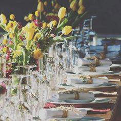 POWER spring >> a pesar de los días nublados le ponemos color a las mesas.  #event #birthday #eventplanners #wedding #ubf